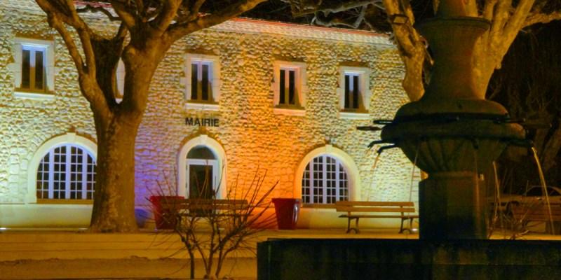 Mairie de Saint Maurice sur Eygues de nuit