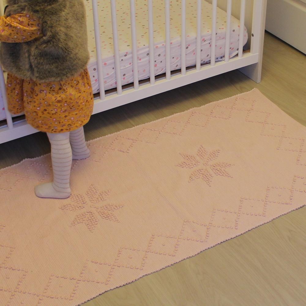 tapis rose artisanal 70 cm x 1m35 40 chambre d enfant