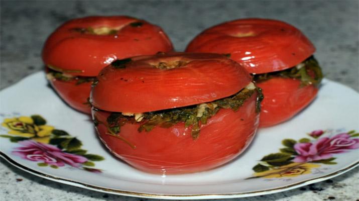 kvashenye-farshirovannye-pomidory3