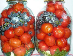 pomidory-marinovannye-s-vinogradom-na-zimu