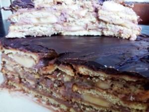 tort-iz-pechenya-i-bananov-bez-vypechki