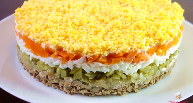 salat-s-kurinoi-pecheniyu-nastoyashee-obiedeniв