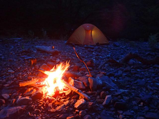 160610横川川夜のキャンプ01