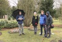 Die Falken informieren über das Leben von Orli Wald