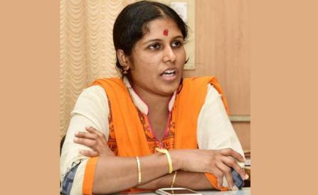 Five Lakh Price Money For New Year Born First 24 Girl Childs Karnataka - Sakshi
