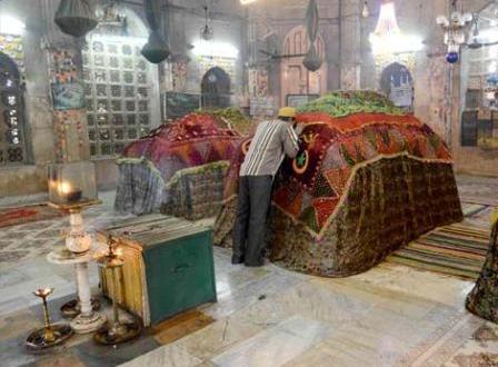 veneration-of-grave