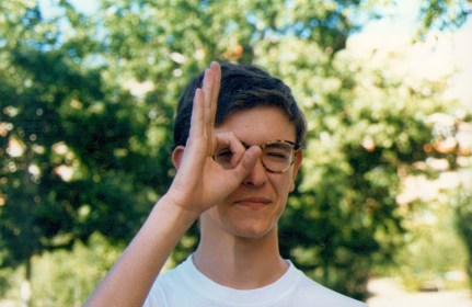 Juan Vaquero la O con el dedo