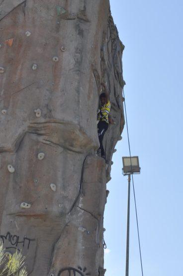 Cuarto y Quinto Escalando en el monolito de Rivas (2)