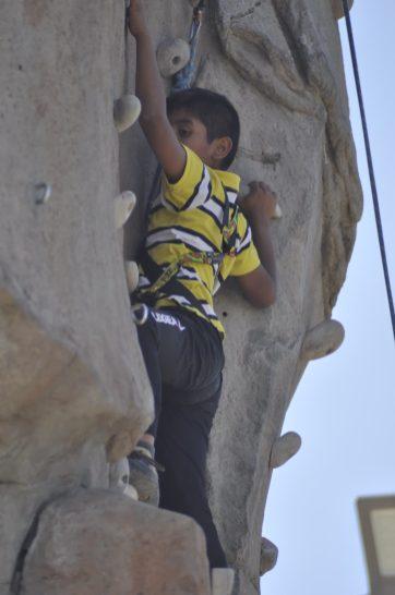 Cuarto y Quinto Escalando en el monolito de Rivas (28)