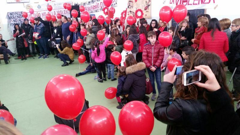 Sunrise di Borgagne grida il suo No alla Violenza