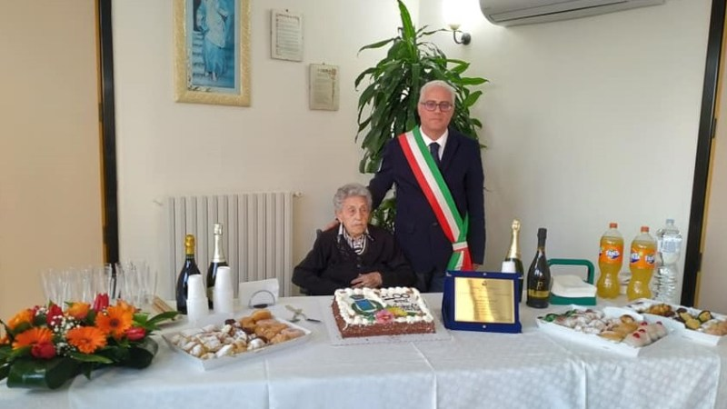 Auguri a nonna Armenia di collepasso per i suoi 100 anni