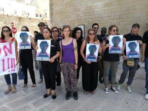Lecce: flashmob in memoria di Sacko Soumaila