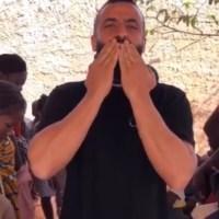 Adriano Nuzzo e i bambini del Burkina Faso