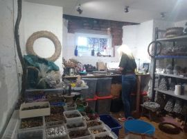Salford artist uses local nature to create Christmas gifts