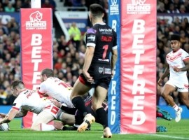 St Helens' Mark Percival scores his side's fourth try of the game during the Betfred Super League Grand Final at Old Trafford, Manchester.