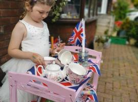 'It was nice to spend the afternoon in a bit of normality' VE Day street parties sweep Salford, but are they worth the risk?