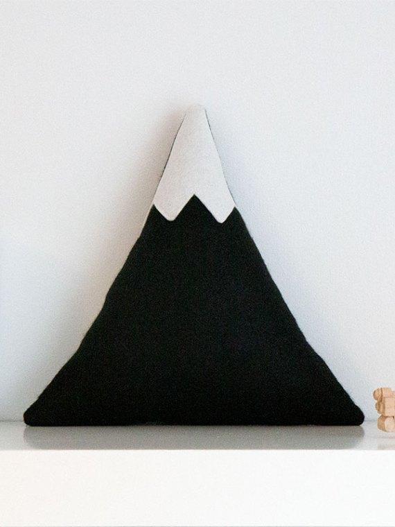 black_mountain_cushion_with_snowy_peak_01