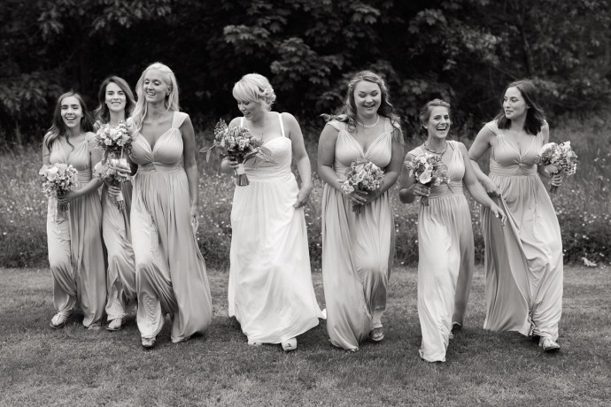 Black and White photo of bride with her bridesmaids at 1774 Inn