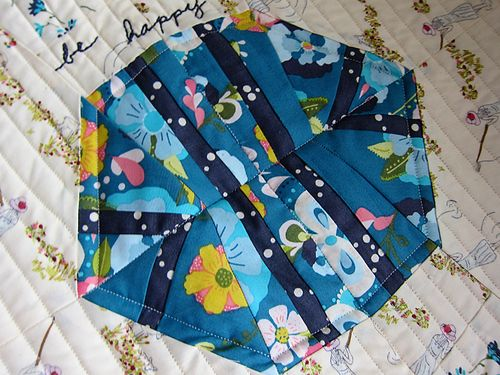 Sallys Angelworks be happy quilt 3