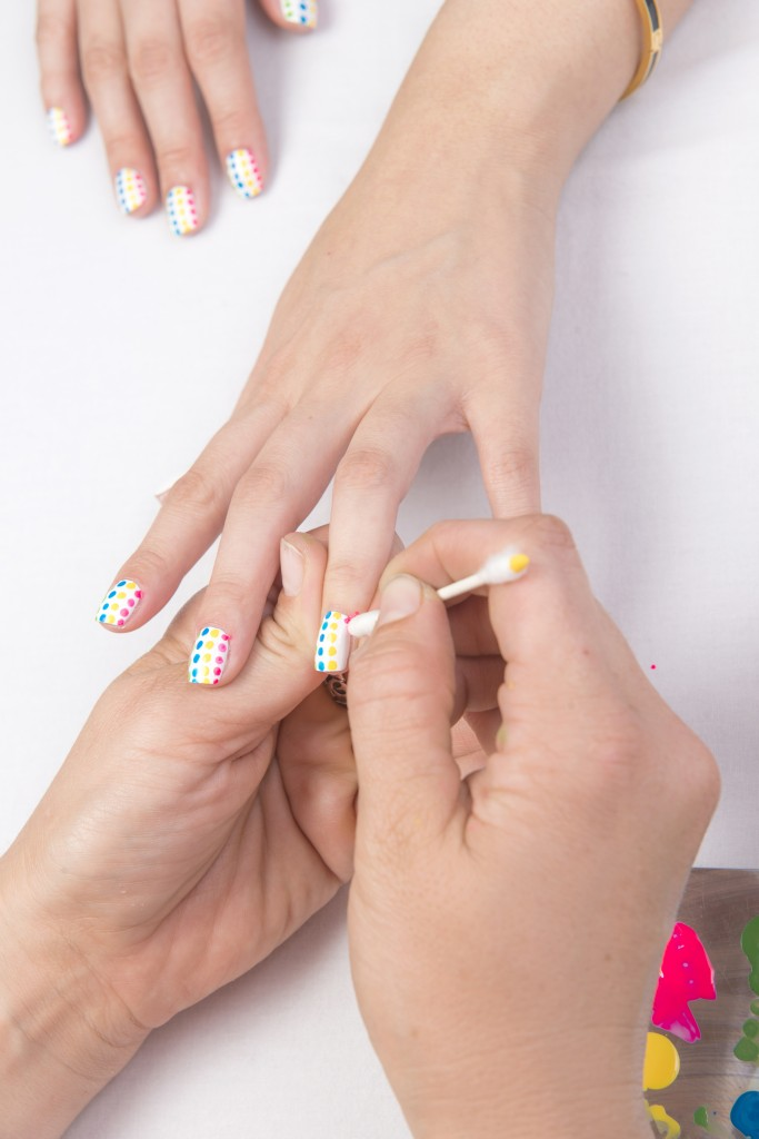 dot-nail-art-tutorial