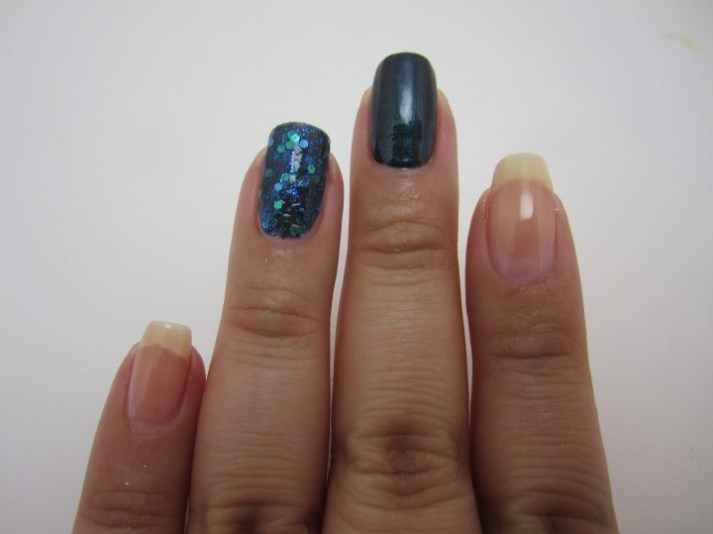 Mani Monday glitter