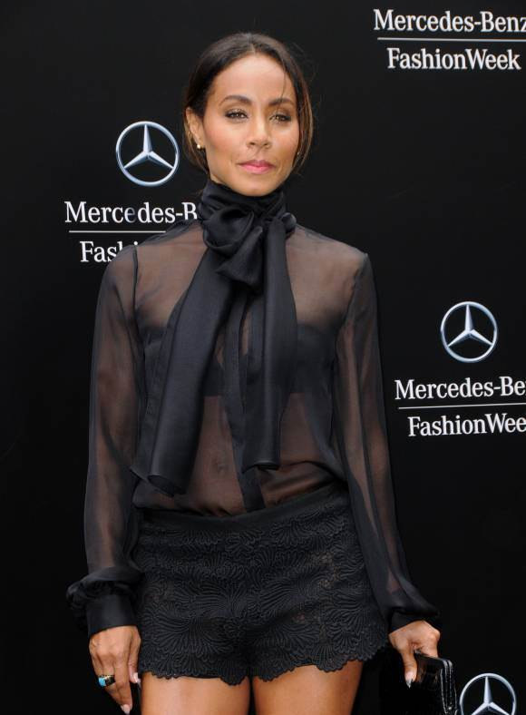 Jada Pinkett Smith showed off a chic chevron ombre at Dennis Basso's NYFW event.