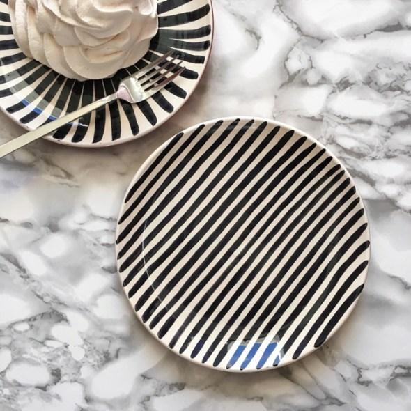Casa Cubista Keramik Keramikteller Stripe schwarz
