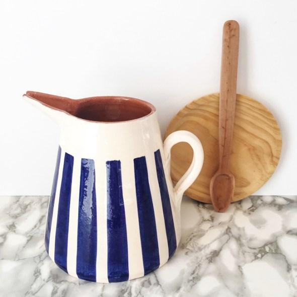 Casa Cubista Keramikkaraffe STRIPES blau-weiss aus portugiesischer Keramik