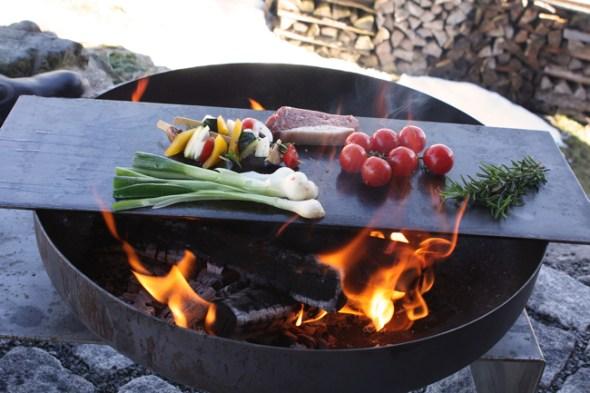 Feuerschale Raumgestalt mit Teppanyaki-Platte