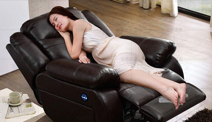 Massage chair that can recline