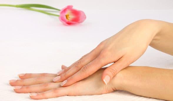 Как укрепить слоящиеся ногти_массаж