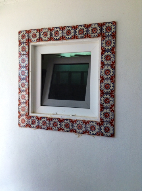 Window tile without grout