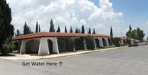 Hotel La Fuente water