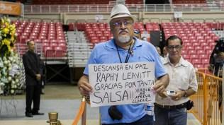 Miles de personas se acercaron al recinto en San Juan, Puerto Rico, para despedirse del fundador de La Selecta. (Foto: Facebook/karamba)