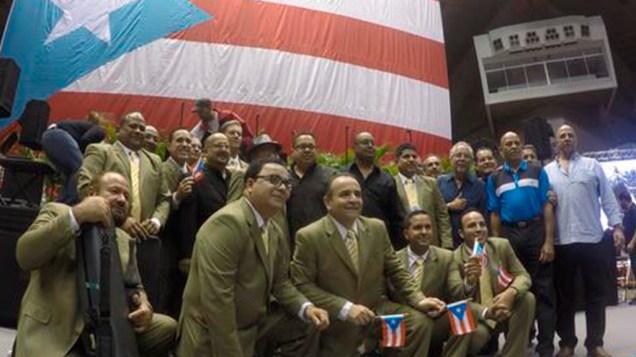 Toda su agrupación, desde Edgard Nevárez hasta Sammy Marrero, estuvieron presentes para despedir a Raphy. (Foto: Twitter/z93fm)