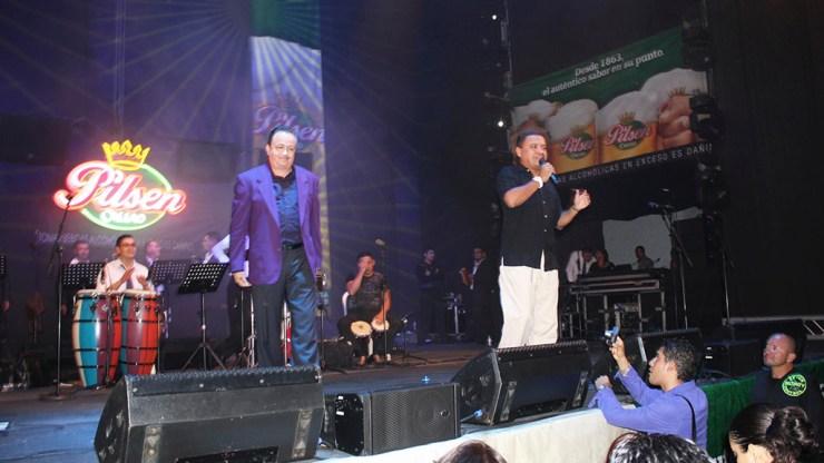 La trayectoria de Nacho Leonarte lo ha llevado a animar muchos espectáculos salseros. Aquí junto ha Ray Sepúlveda, en Lima. (Foto: Facebook/Nacho Leonarte)