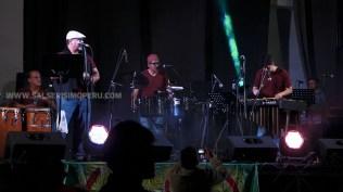 El sexteto Alafia de Óscar Nieves sorprendió con su sonido particular y ejecutó parte del repertorio de Rubén Blades y Cheo Feliciano. (Foto: Antonio Alvarez F./Salserísimo Perú)