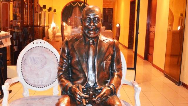 Monumento a Eddie Palmieri develado en el Callao. (Foto: Facebook/AsocosalsaPerú)