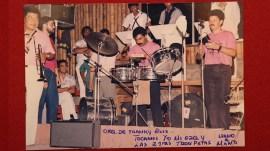 Durante el concierto en la Máquina del Sabor, César Loza tuvo un mano a mano con Cuso, trompetista de la orquesta de Frankie Ruiz. (Foto: Cortesía César Loza)