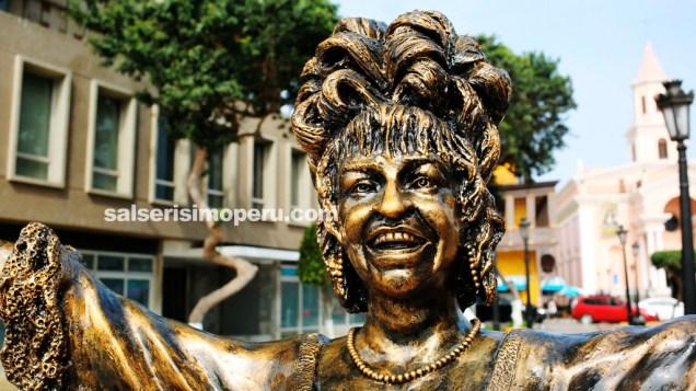Ojalá la escultura de la Guarachera de Cuba cuente con el mantenimiento necesario. (Foto: Salserísimo Perú)