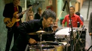 Rubén Carbajal en impecable solo de timbal (Foto: Antonio Alvarez F./Salserísimo Perú)