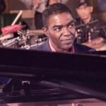 Manolito Simonet será homenajeado en el Festival de la Salsa de La Habana