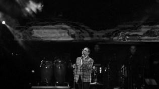 Gilberto Santa rosa pensativo durante su show en Lima. (Foto: Antonio Alvarez F./Salserísimo Perú)