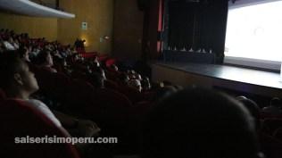 La proyección del documental 'Niche 3/89' se dio pasadas las 7:30 de la noche. (Foto: Fernando Olivera / Salserísimo Perú)