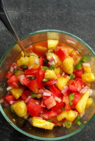Image of a bowl of Pineapple Pico