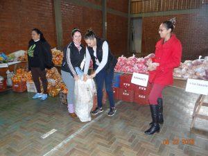 40122665_525476807896303_8186567799183769600_n-300x225 Mais uma entrega de alimentos pelo Programa de Aquisição de Alimentos-PAA