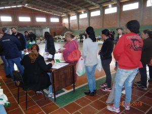 40125324_242298593138137_2830806274709389312_n-300x225 Mais uma entrega de alimentos pelo Programa de Aquisição de Alimentos-PAA