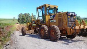 53378252_260336874895090_2060980605771841536_n-300x169 Recuperação das estradas no interior são prioridades para o escoamento da safra de soja.