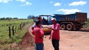 53379768_413524172747453_4708718009772933120_n-300x169 Recuperação das estradas no interior são prioridades para o escoamento da safra de soja.