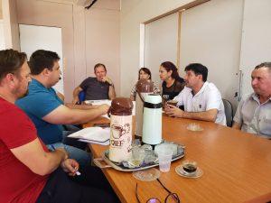 WhatsApp-Image-2019-04-26-at-14.59.27-2-300x225 Prefeito se reuniu com secretários e vereadores e equipe de engenharia para apresentação do projeto de revitalização da Avenida Pio XII.